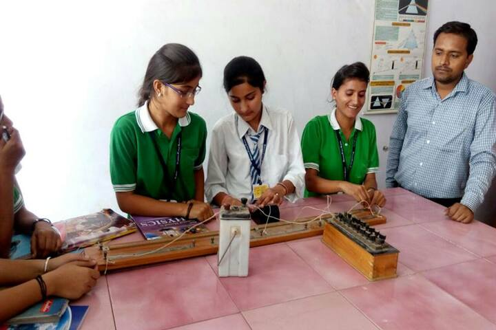 Krishna Public School-Physics Lab