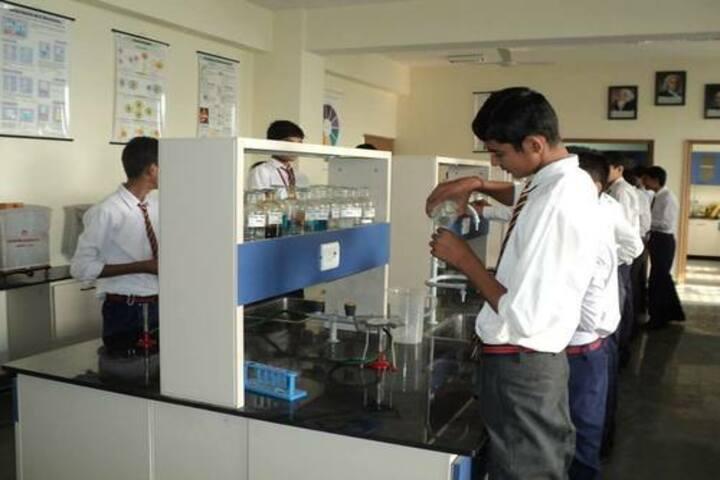 Kumkum Modi Public School-Lab