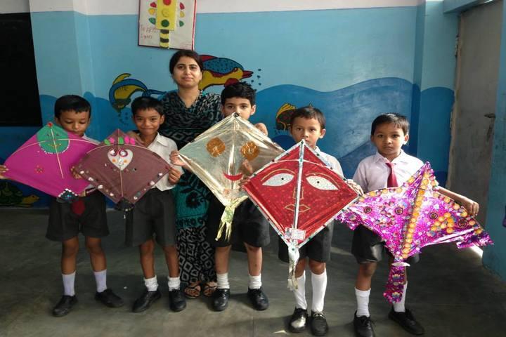 Lilawati Convent School-Kite Making