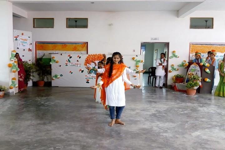 Little Folks Gurukulum-Dance