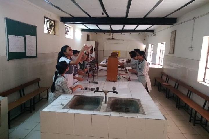 Lord Mahavira School-Chemistry Lab