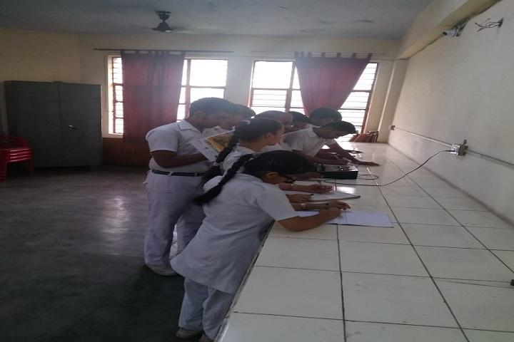 Lord Mahavira School-Physics Lab