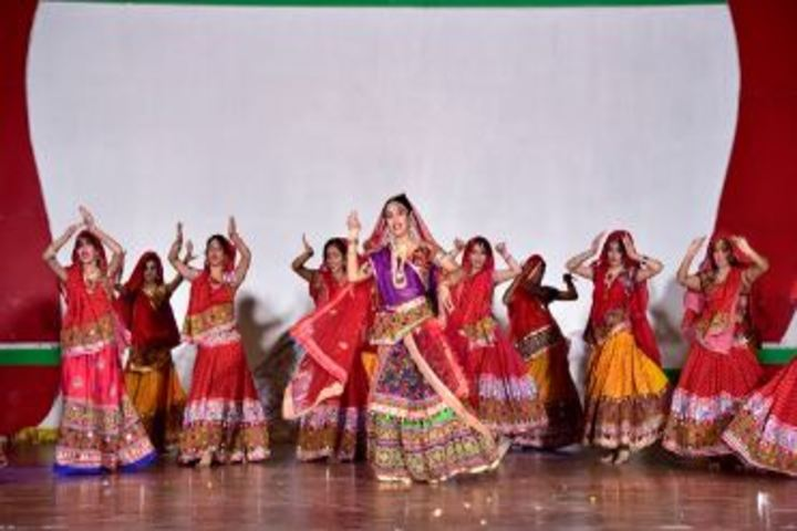 Lucknow Public College-Dance