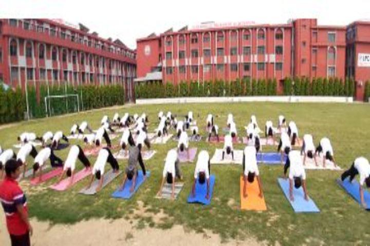 Lucknow Public College-Yoga