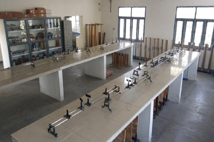 Lucknow Public School-Physics Lab