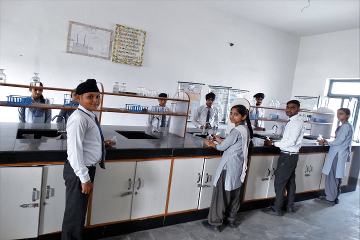 Lucky Children Junior High School-Chemistry Lab