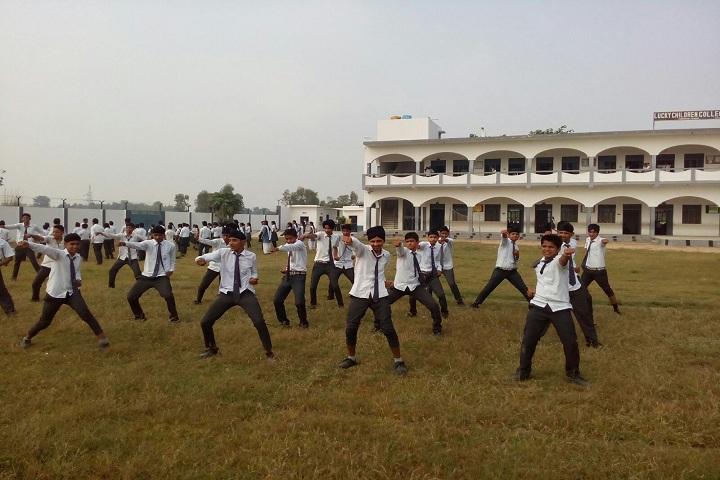 Lucky Children Junior High School-Karate Activity
