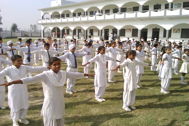 Lucky Children Junior High School-Morning Assembly Drill