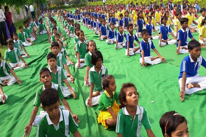 Lucky Public School-Yoga