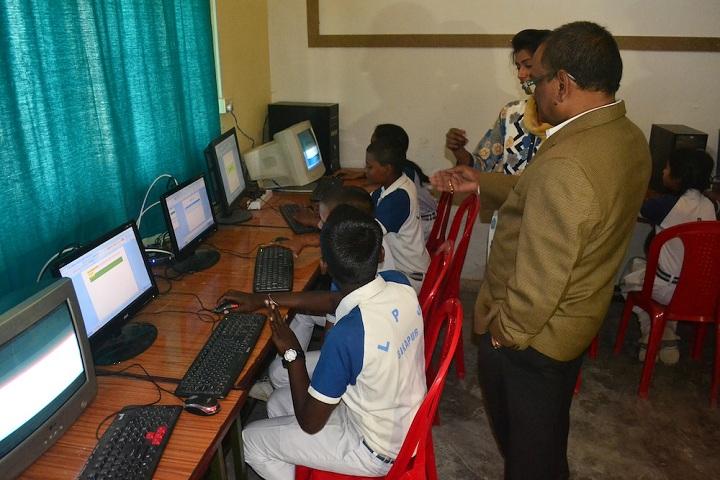 Lushkary Preparatory School-Computer Lab