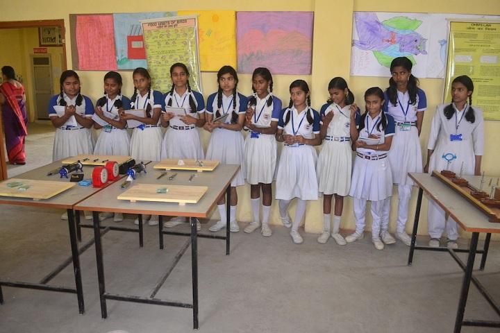 Lushkary Preparatory School-Science Lab