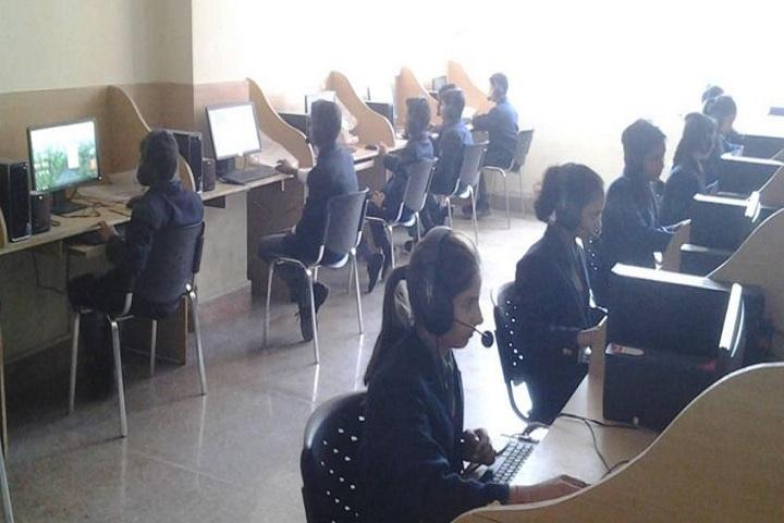 M D International School-English Lab