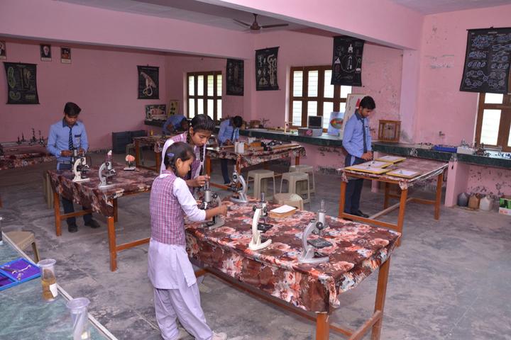 Maa Anjani Public School-Lab