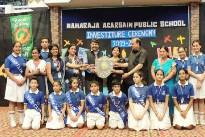 Maharaja Agarsain Public School-Award Presentation