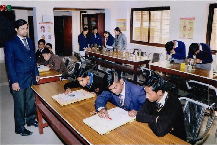 Maharaja Agrasen Public School-Biology lab