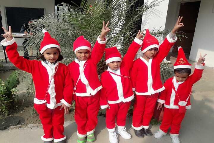 Maharaja Surajmal Holy Academy-Christmas