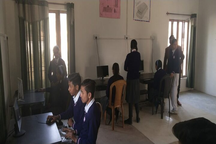 Maharaja Surajmal Holy Academy-Computer Lab