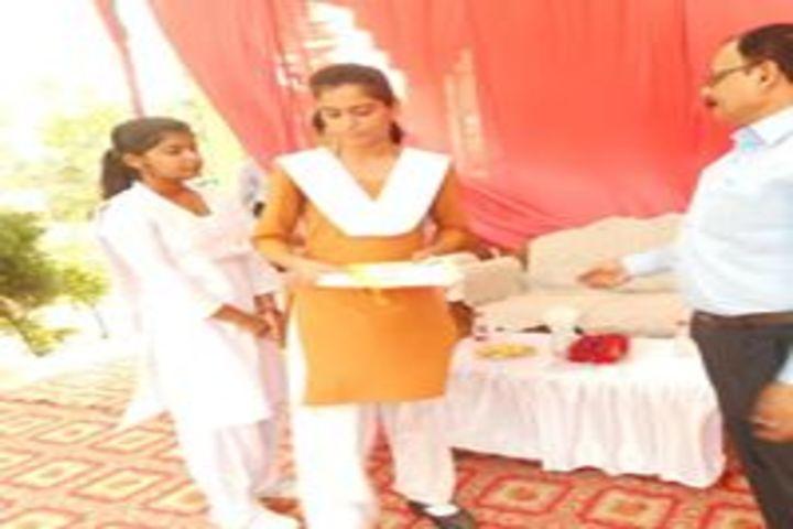 Maharishi Vidya Mandir-Prize Distribution Ceremony