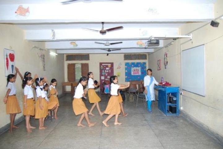 Maharishi Vidya Mandir-Dance-Room