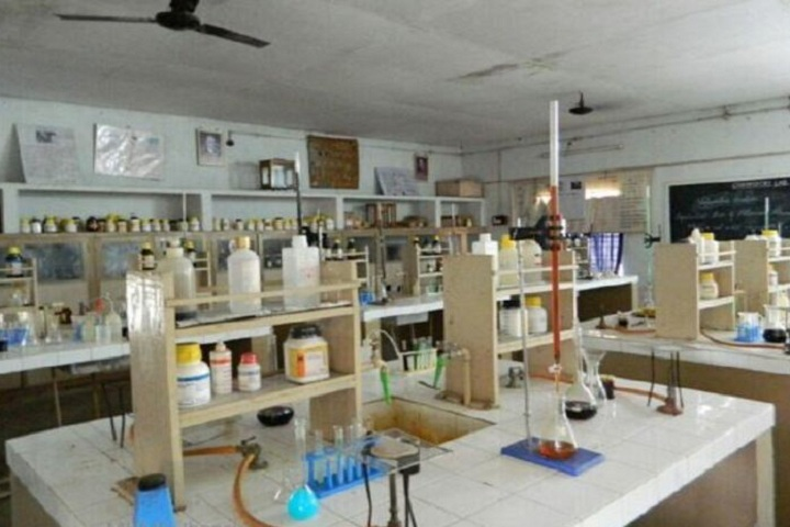 Mahatma Hansraj Modern School-Science Lab