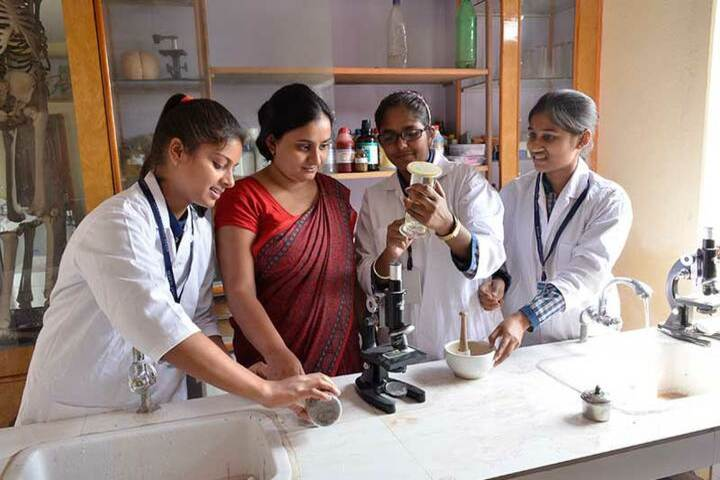 Manas Convent School-Biology lab