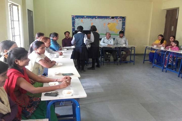 Takshila School-Quiz Competition