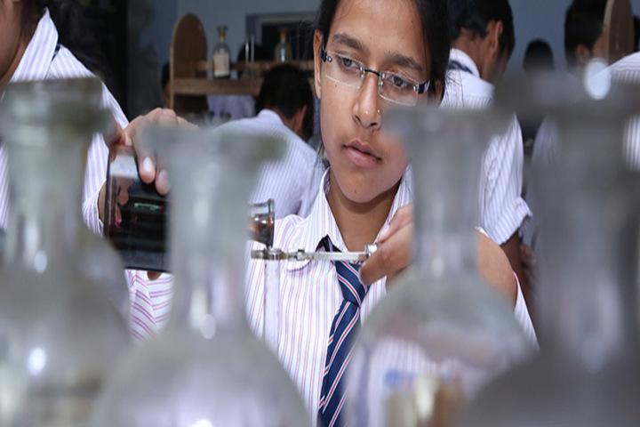Mantora Public School-Chemistry lab