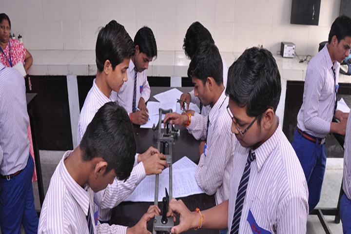 Mantora Public School-Physcis lab