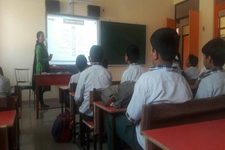 Maple Grove World School-Smart Classroom
