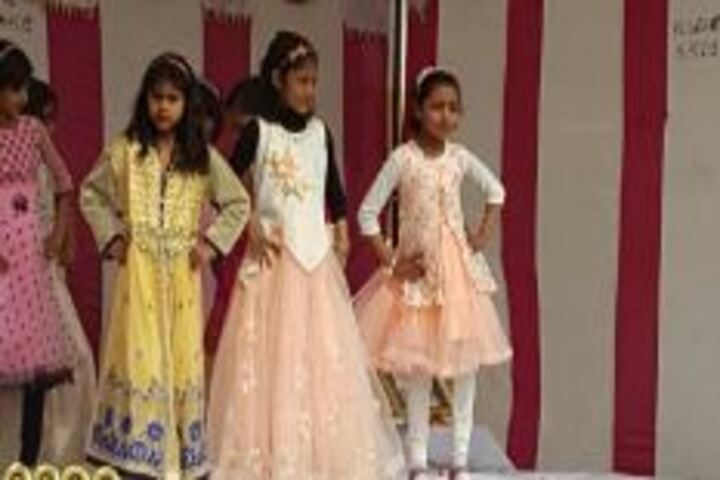 Mata Imarti Devi Public School-Group dance
