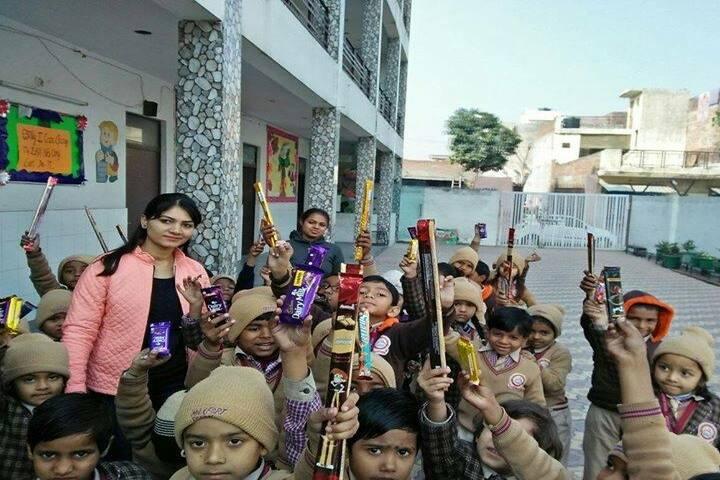 Maxfort World School-Chocolate day