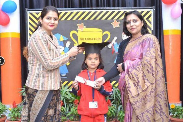 Meerut Public Girls School-Graduation day