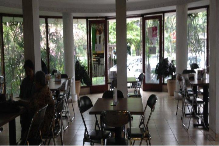 MMD Public School-Cafeteria