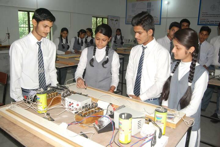 Moolchand Academy-physics lab
