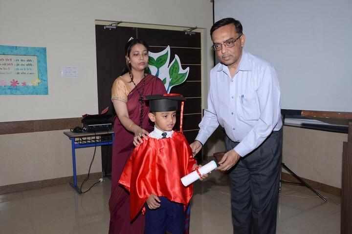 Mount Litera Zee School - Graduation day