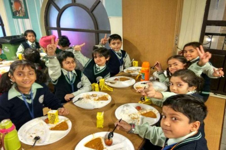 Mount Litera Zee School-Educational Tour