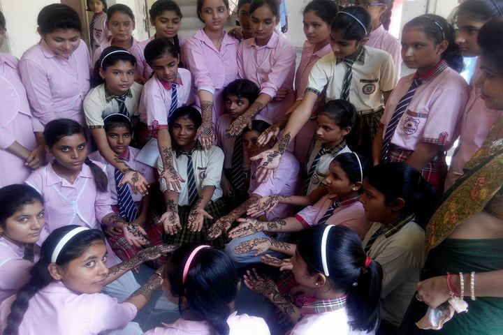Narayan Savitri Public School-Mehandi Celebrations