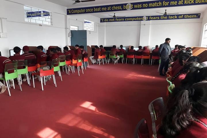 Uma Shankar Champa Devi Dav Public School-Computer Lab