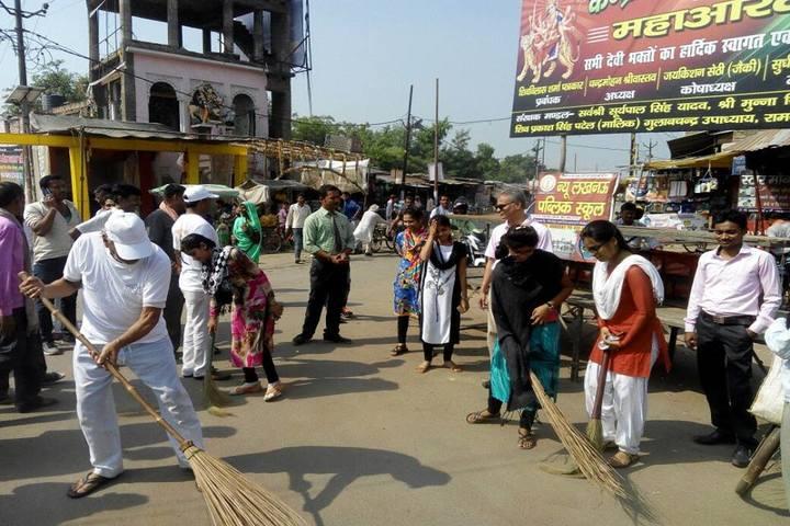New Lucknow Public School-Swatch Bharat Activity
