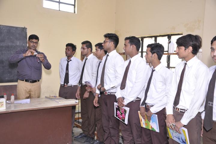 Om Prakash Ganapati Memorial School - Chemistry lab