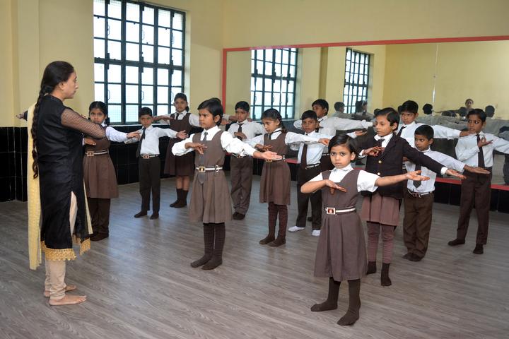 Om Prakash Ganapati Memorial School - Dance Room