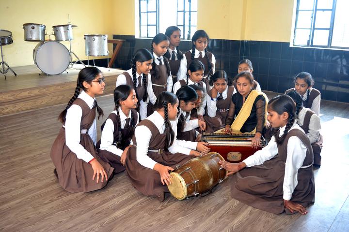 Om Prakash Ganapati Memorial School - Music Room