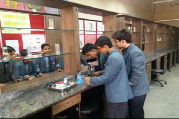 Panchsheel Balak Inter College-Biology Lab