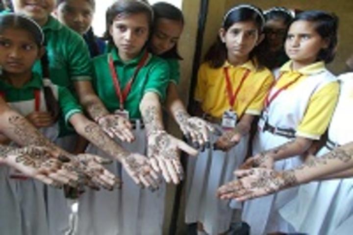 Paradise Public School-Mehandi Competition