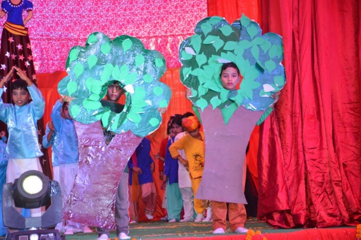 Pintoo Memorial Surya Academy-Fancy Dress Competition