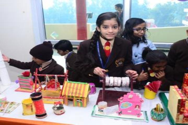 Pioneer Public School-School exhibition