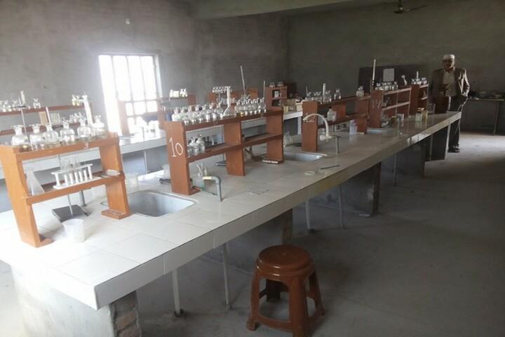 Pioneer Public School-Chemistry Lab