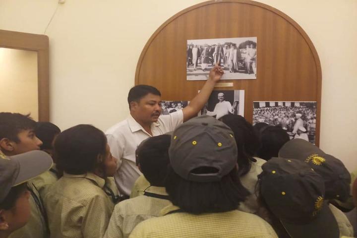 Pragyan School-Educational Tour