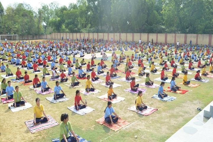 Pt Deen Dayal Upadhyaya Sanatan Dharma Vidyalaya-Yoga Activity