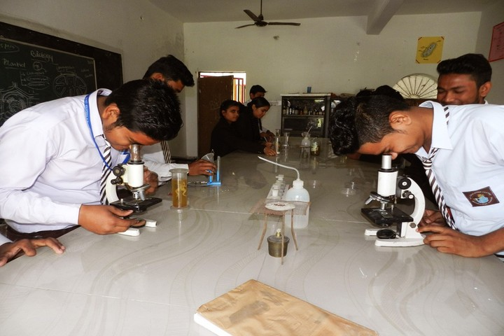 R K Education Centre-Biology Lab